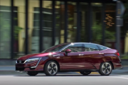 2017 Honda Clarity Fuel Cell - First Look