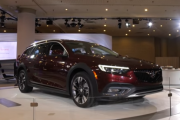2018 Buick Regal TourX Preview