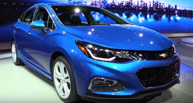 2017 Chevrolet Cruze - Exterior and Interior Walkaround - 2016 Detroit Auto Show
