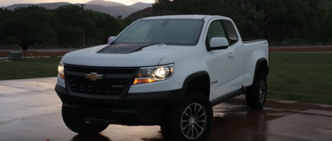 2017 Chevrolet Colorado ZR2 puts the Tacoma on watch
